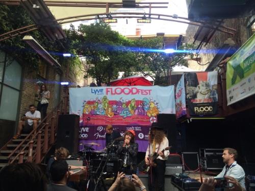 Amason på det svenska showcaset påFlood Magazines fest