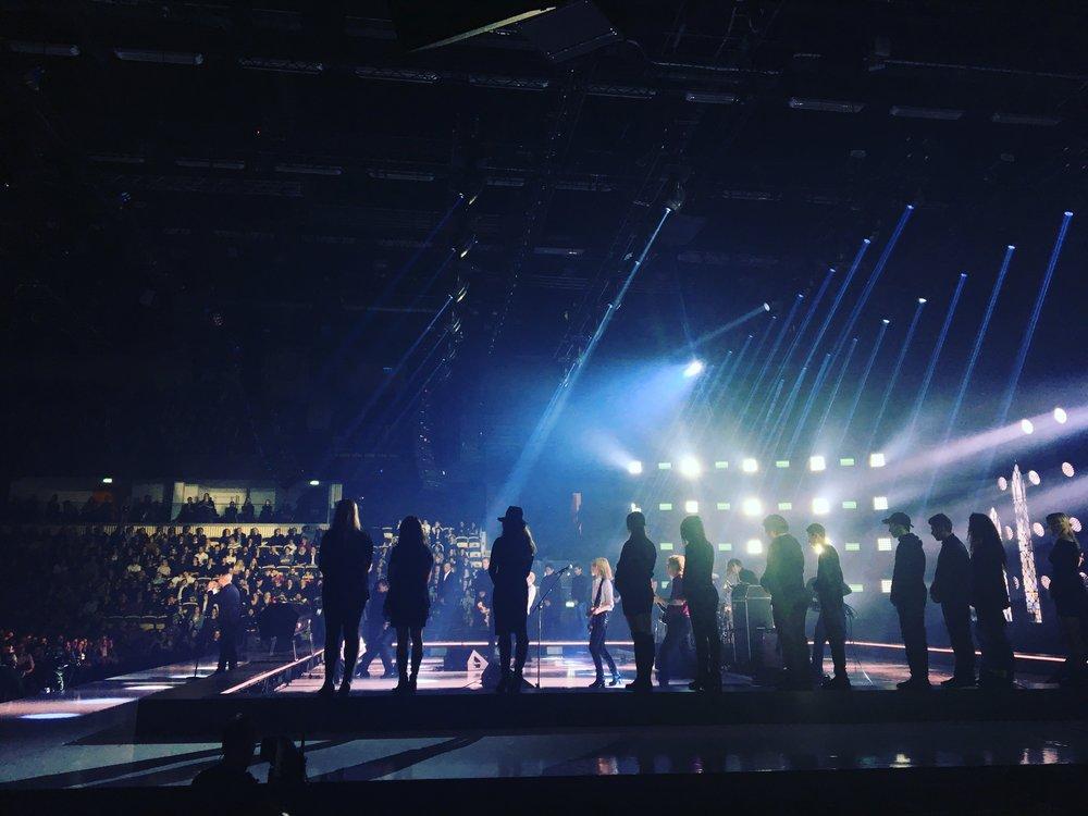 Bild från Erik Lundins liveuppträdande under galan.