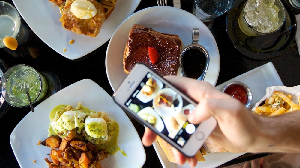 A BRUNCH CENTRIC FOOD BLOG AND PODCAST.