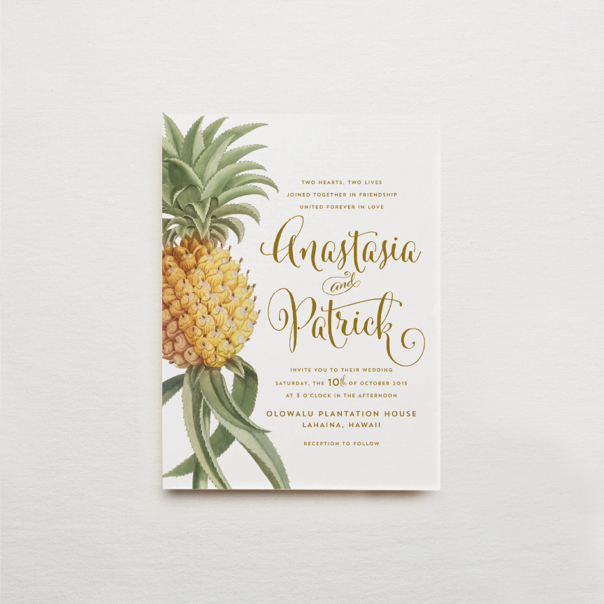 hawaii-pineapple-gold-calligraphy-wedding-invitation-pineapples.jpg