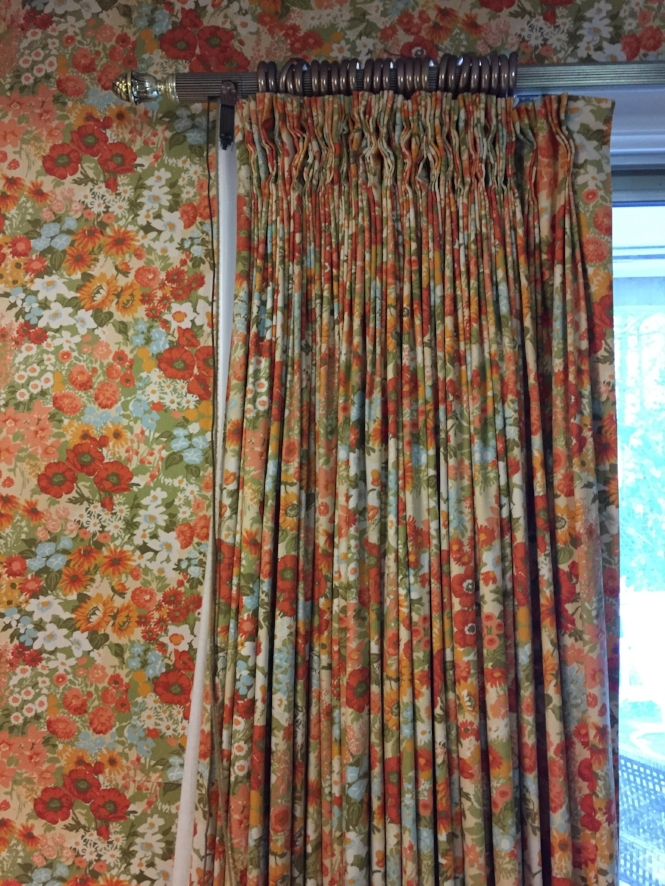 Matching wallcovering/drapes!