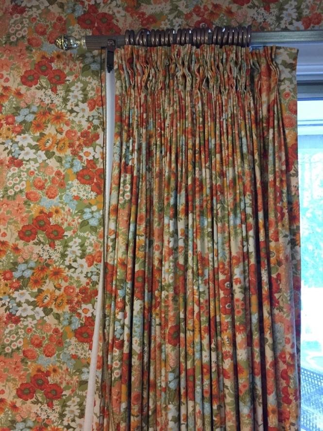 Matching wallcovering/drapes!