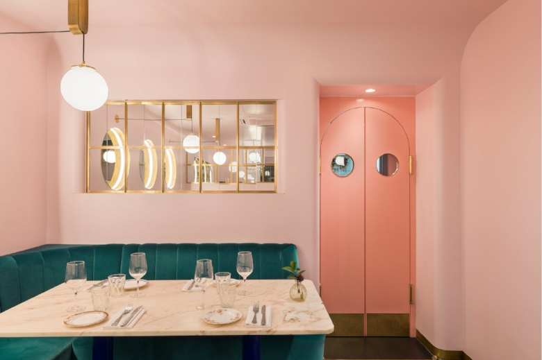 Gundry-Ducker-NAC-restaurant-design-mayfair-london-banquette-pink-marble-brass-globe-light_2000.jpg