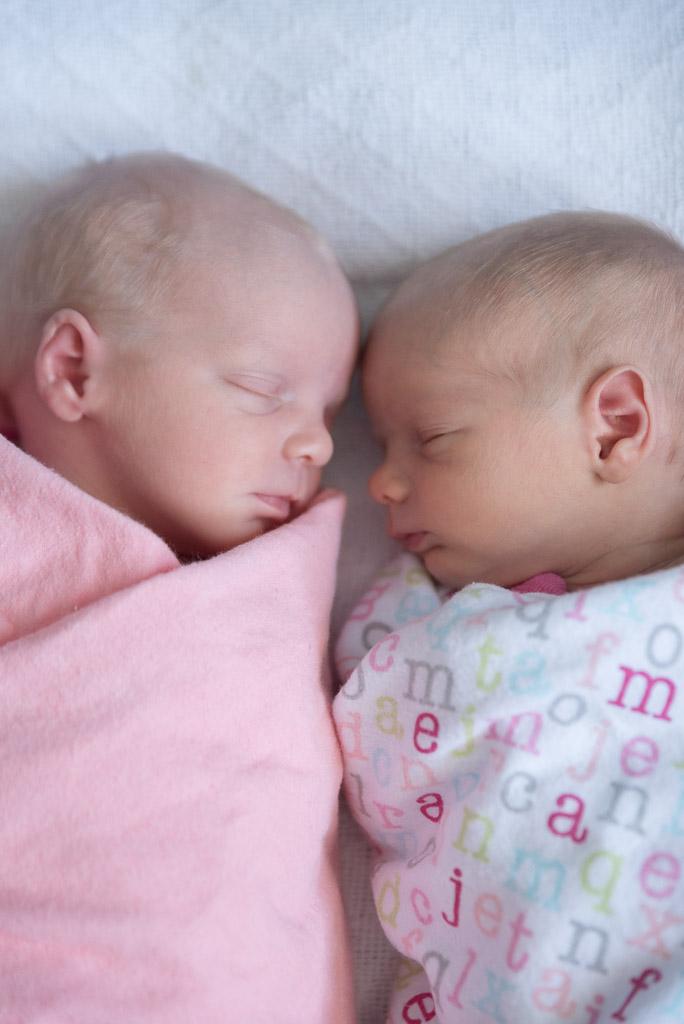 Lifestyle Newborn Twins - Muir Image Photography -4.JPG