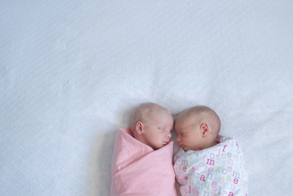 Lifestyle Newborn Twins - Muir Image Photography -5.JPG