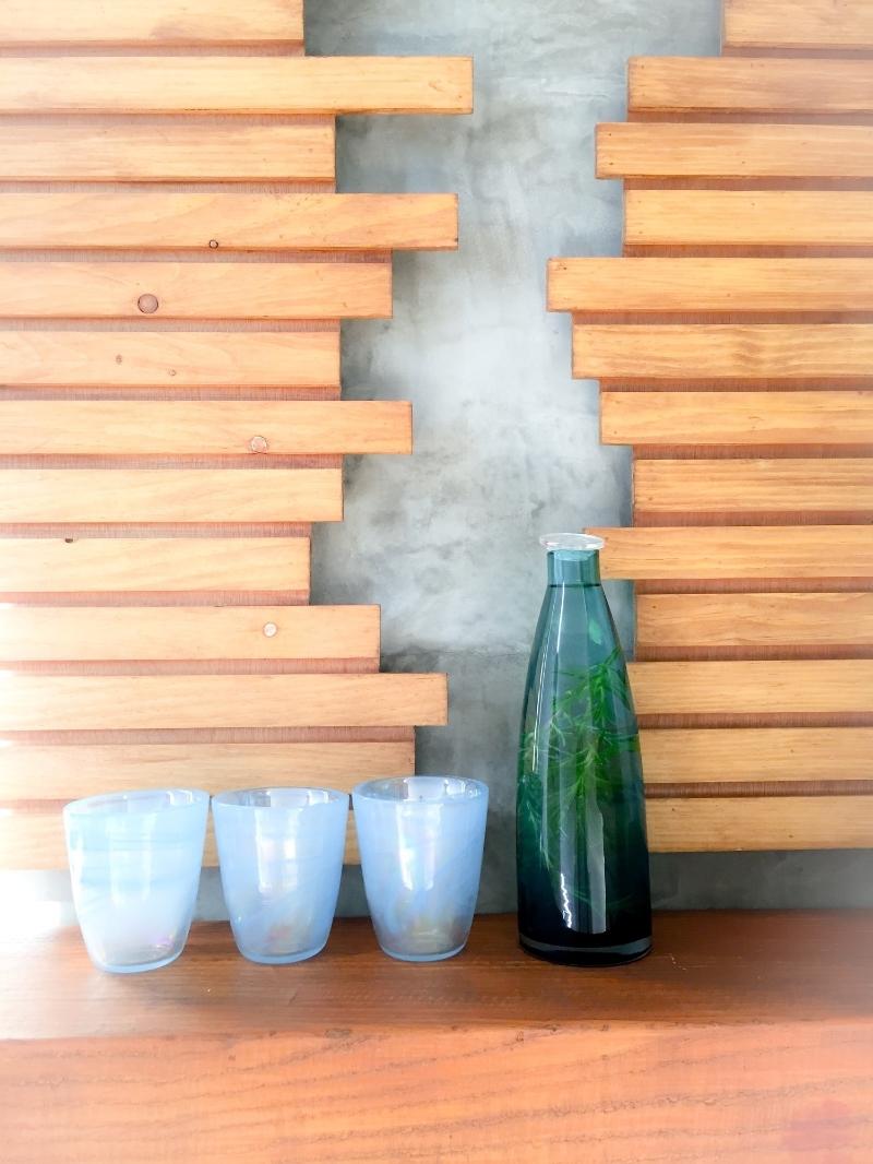 glassware.spa.modern.midcentury.design.spawater.woodwork.jpg