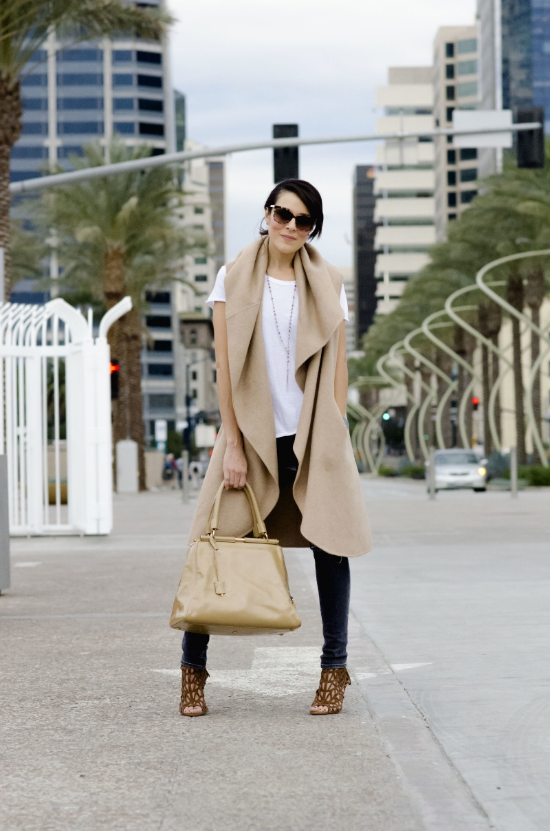 sandiego.harbor.fashion.streetstyle.camelcoat.cape.zara.luxe.downtown.fashion.jpg