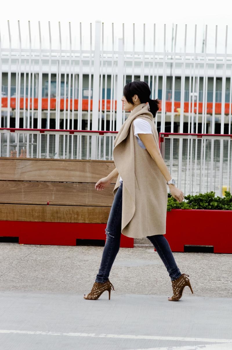 walking.sandiego.zara.cape.coat.camel.jpg