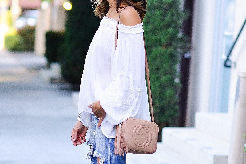 H&M_Gucci_ManoloBlahnik_OffShoulder_OneTeaspoon_Denim_Fashion_Streetstyle.jpg