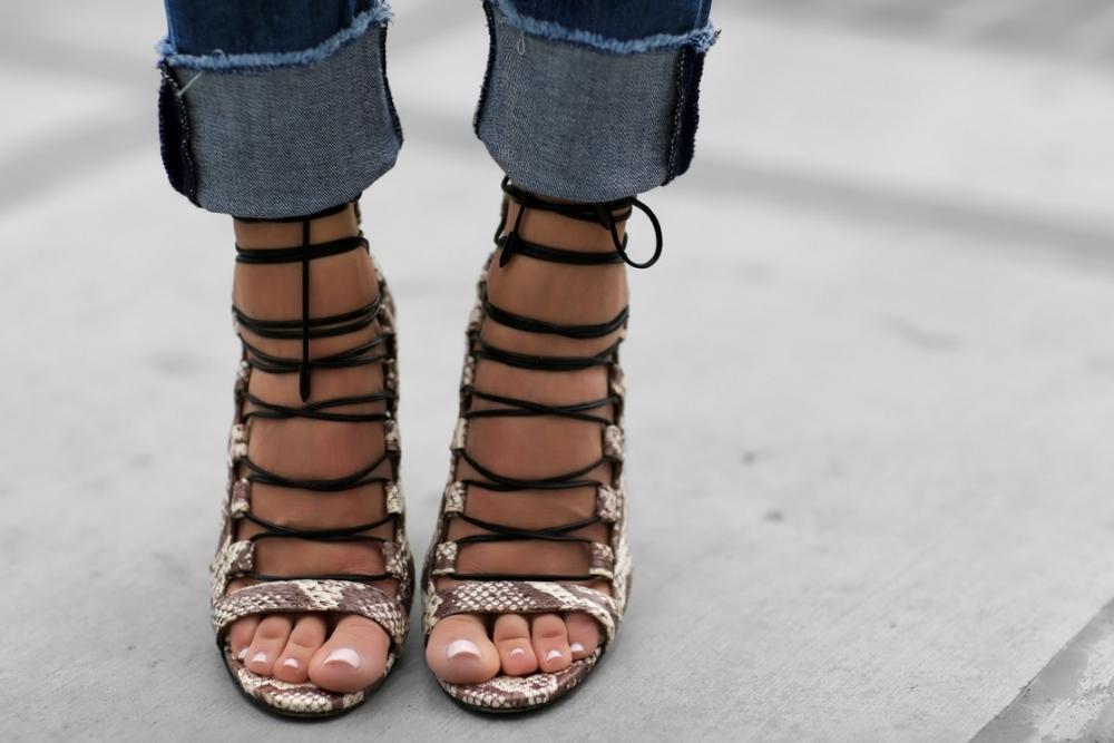 Aquazzura_Sandals_Rag&Bone_FashionBlogger_WhoWhatWear_LaceupSandals_LucysWhims.jpg