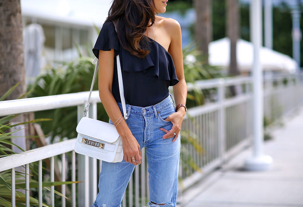Amanda-Pritchard-Citizens-of-Humanity-jeans-Proenza-Shouler-Sholderbag-Lucys-Whims-Fashion-Blogger-San-Diego-Miami.jpg