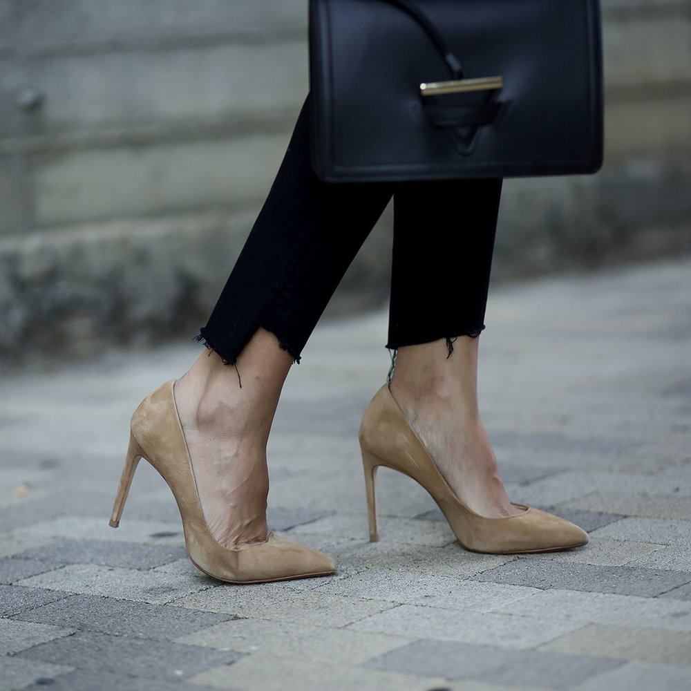 Zara-Pumps-Camelia-Roma-Bag.jpg