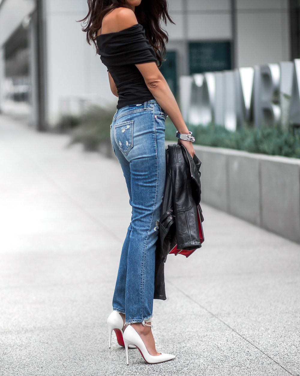 Off_the_Shoulder_Top_Mother_Denim_Ripped_Jeans_Gucci_Dionysus_Bag_White_Christian_Louboutin_Pumps.jpg
