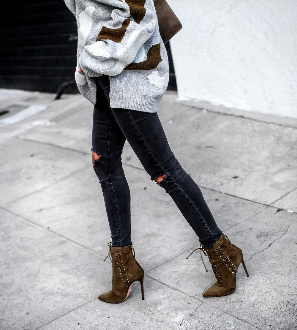 HM Cargo Jumper Black Skinny Jeans Oscar Tiye Lace up Booties Gucci Dyonisus Bag.jpg