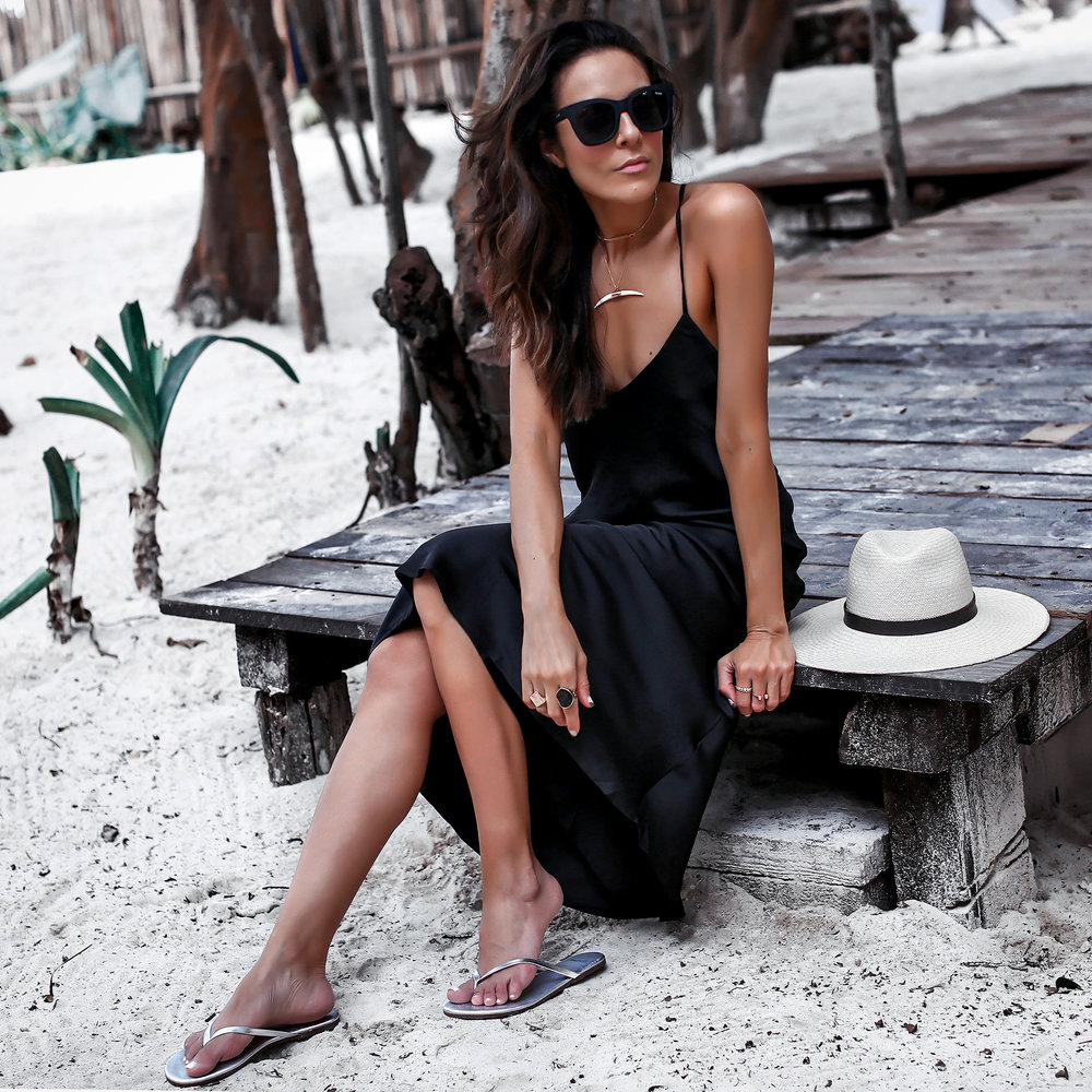 2H5A6373EditFinalWeb.jpgSangria Sandals Sincerely Jules Slip Dress Janessa Leone Hat Beach Style in Tulum.jpg
