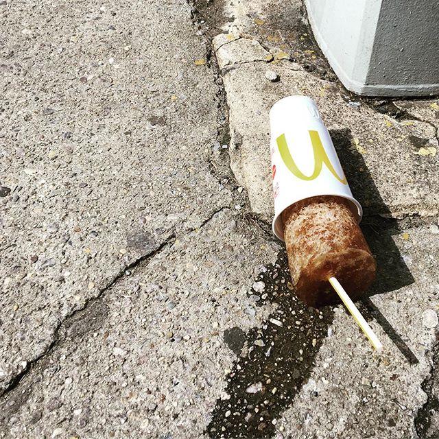 V cold in NYC. #trash or #theworldsbiggestpopsicle?