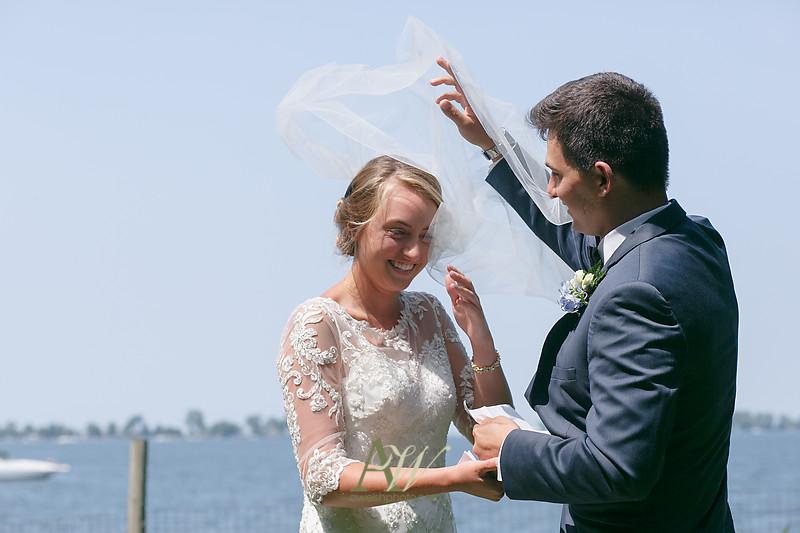 laura-mitchell-outdoor-sodus-rochester-ny-wedding-photographer02
