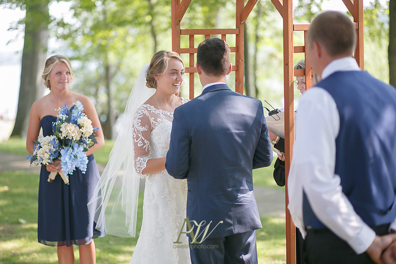 laura-mitchell-outdoor-sodus-rochester-ny-wedding-photographer08