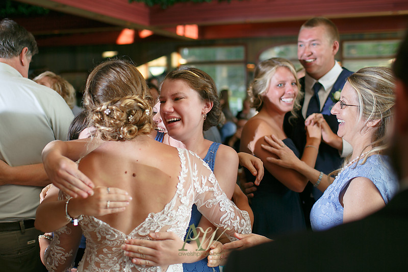 laura-mitchell-outdoor-sodus-rochester-ny-wedding-photographer25