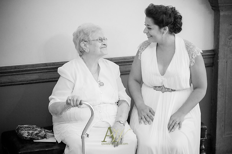 gina-tommy-rochester-memorial-art-gallery-wedding-photography07
