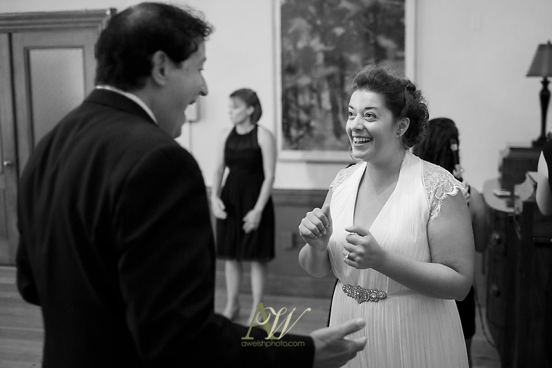 gina-tommy-rochester-memorial-art-gallery-wedding-photography11