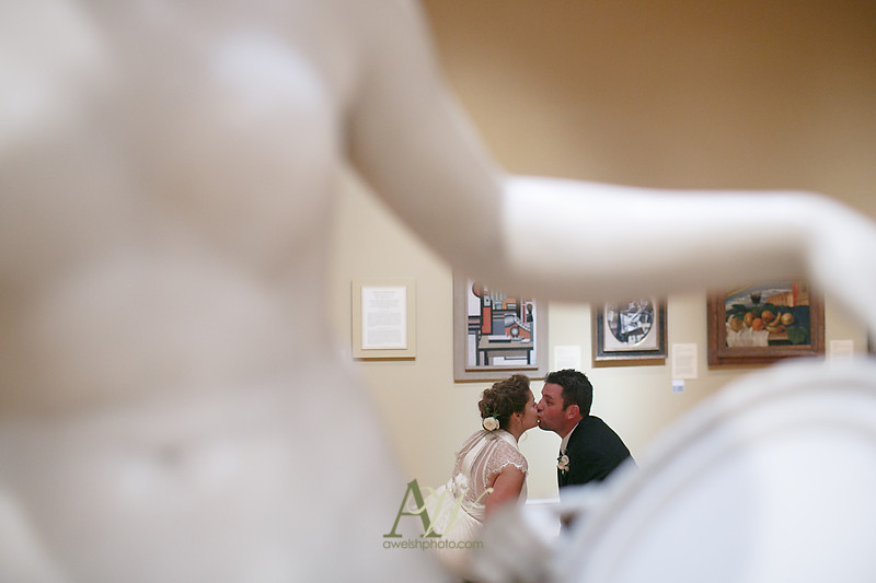 gina-tommy-rochester-memorial-art-gallery-wedding-photography30