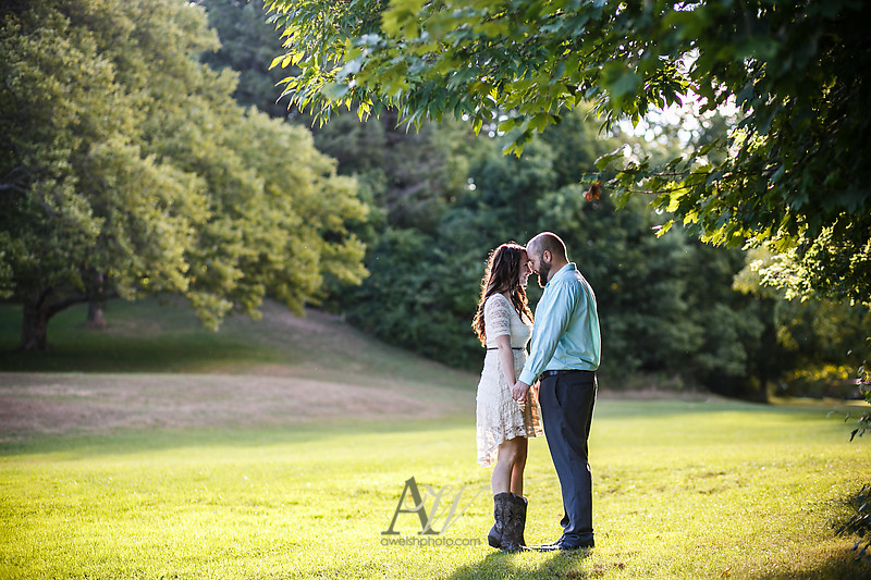 nicole-ryan-engagement-photos-outdoor-park-wedding-rochester04