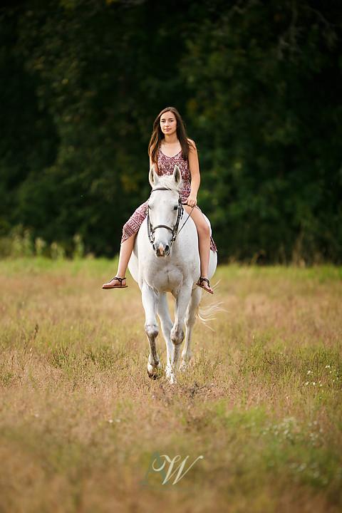 isabelle-park-outdoor-equestrian-horse-senior-portrait06