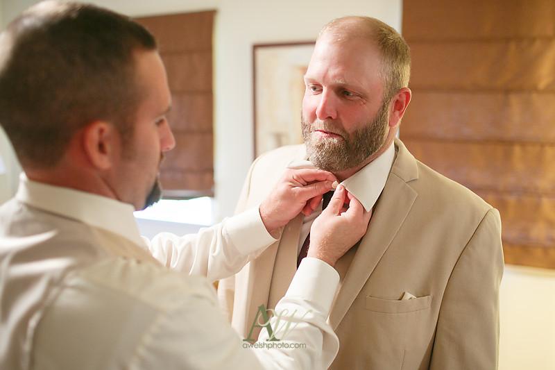 Alyssa-Sam-Geneva-NY-Belhurst-Wedding-Photos02