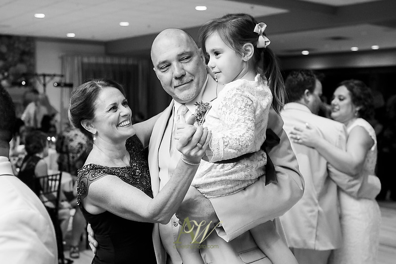 lisa-brandon-bristol-harbor-resort-fall-wedding43
