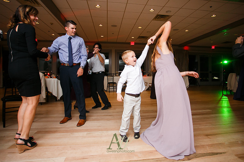lisa-brandon-bristol-harbor-resort-fall-wedding48