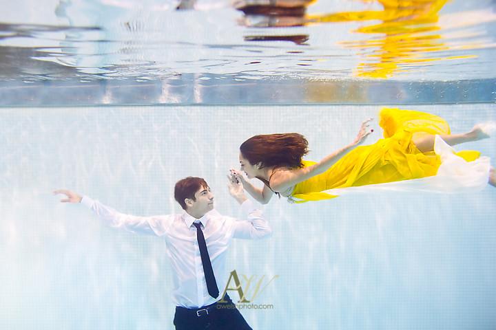 sapna-ryan-underwater-engagement-portrait-rochester-western-ny2