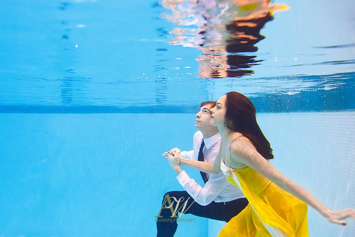 sapna-ryan-underwater-engagement-portrait-rochester-western-ny3