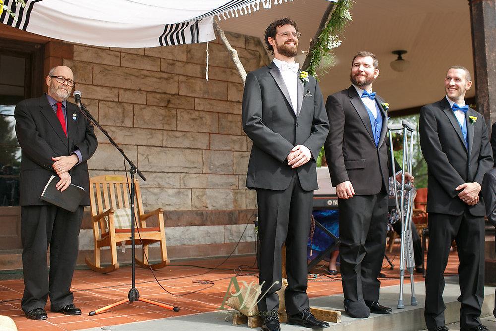 mandy-eric-sonnenberg-canandaigua-rochester-ny-outdoor-wedding14.jpg