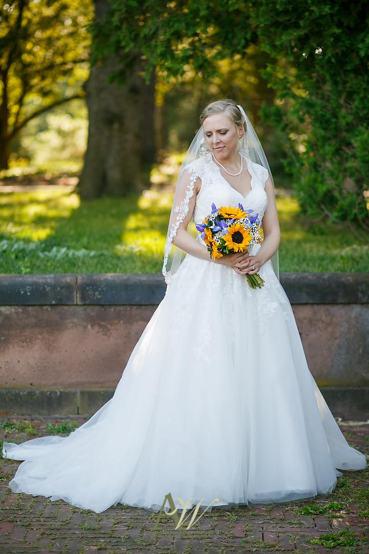 mandy-eric-sonnenberg-canandaigua-rochester-ny-outdoor-wedding25.jpg