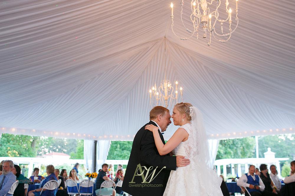 mandy-eric-sonnenberg-canandaigua-rochester-ny-outdoor-wedding28.jpg