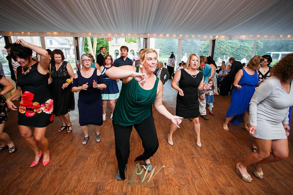 mandy-eric-sonnenberg-canandaigua-rochester-ny-outdoor-wedding33.jpg