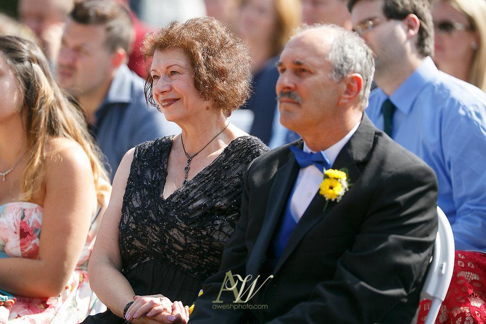 mandy-eric-sonnenberg-canandaigua-rochester-ny-outdoor-wedding18.jpg