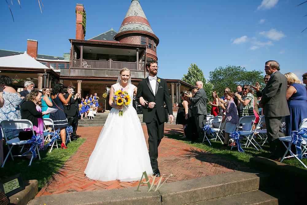 mandy-eric-sonnenberg-canandaigua-rochester-ny-outdoor-wedding20.jpg