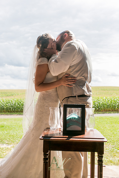 Nicole-Ryan-Palmyra-NY-Barn-Wedding-Rochester19.jpg