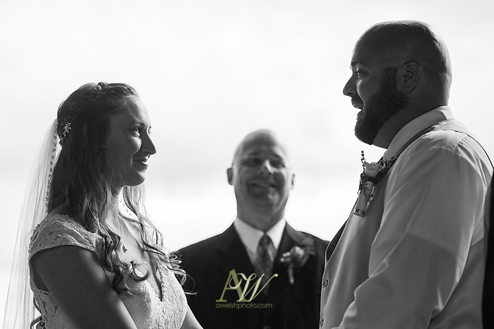 Nicole-Ryan-Palmyra-NY-Barn-Wedding-Rochester17.jpg