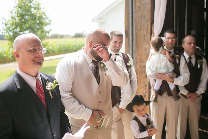 Nicole-Ryan-Palmyra-NY-Barn-Wedding-Rochester13.jpg