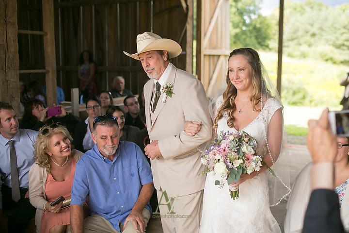 Nicole-Ryan-Palmyra-NY-Barn-Wedding-Rochester12.jpg