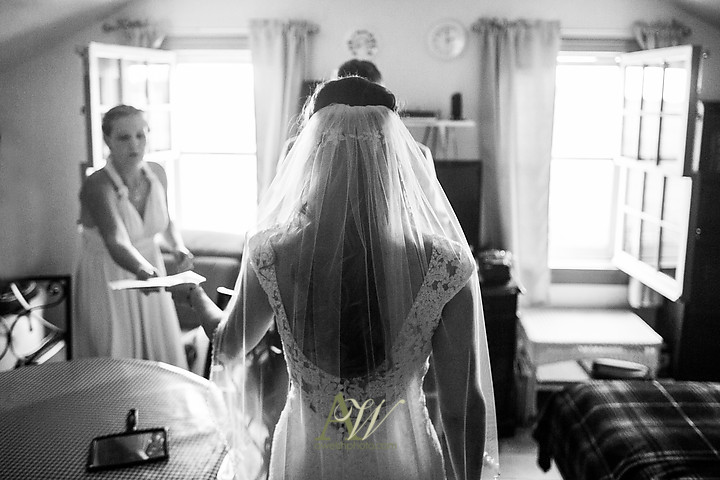 Nicole-Ryan-Palmyra-NY-Barn-Wedding-Rochester09.jpg