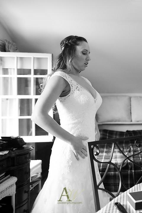 Nicole-Ryan-Palmyra-NY-Barn-Wedding-Rochester07.jpg