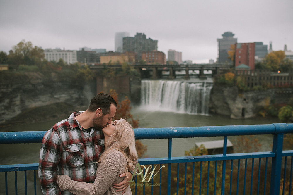 alicia-tim-high-falls-rochester-engagement-photo09.jpg