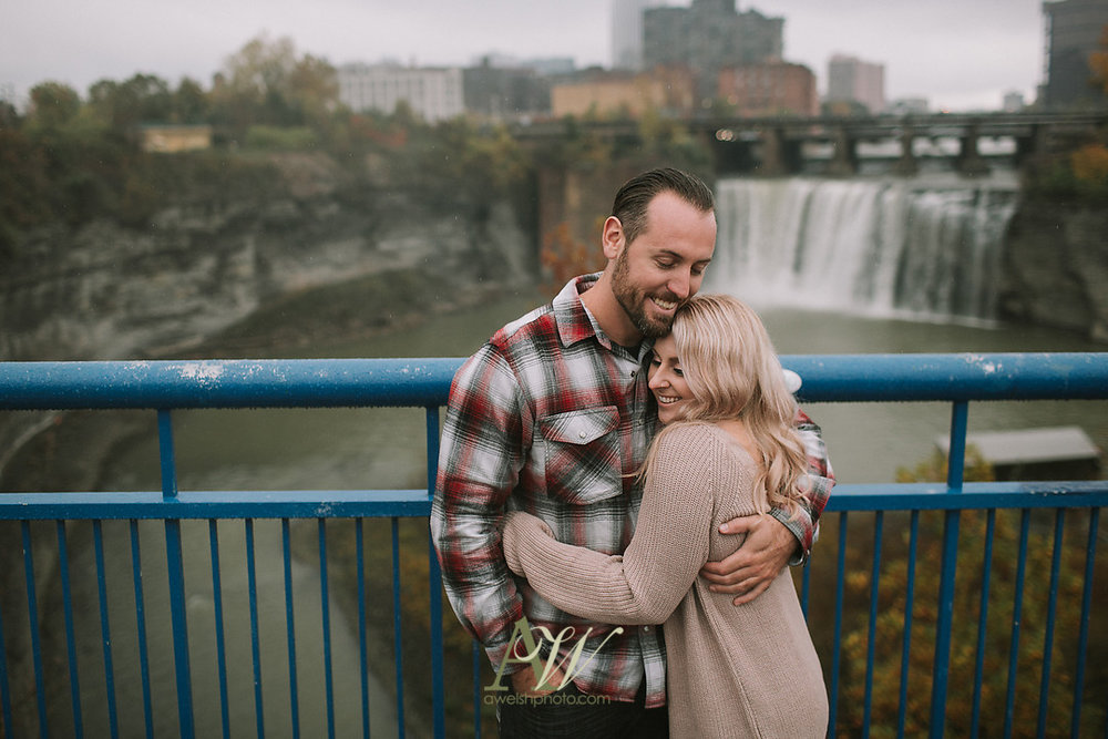 alicia-tim-high-falls-rochester-engagement-photo08.jpg