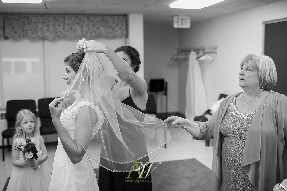 kelsey-ryan-finger-lakes-wedding09.jpg