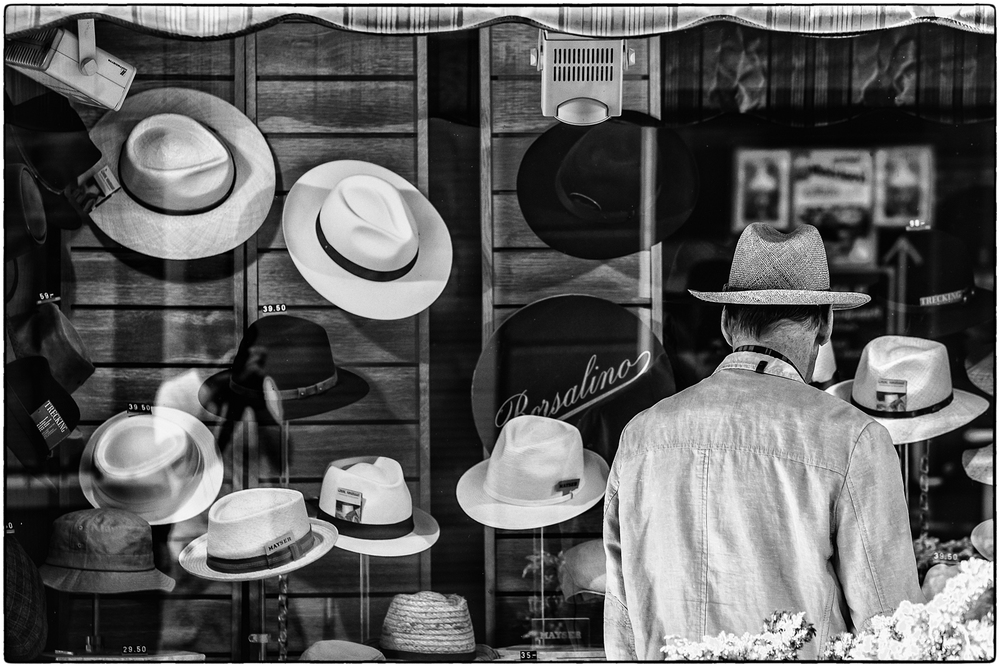 hat hunting