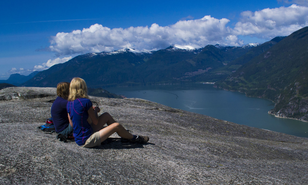 Vancouver adventure tours with hiking.